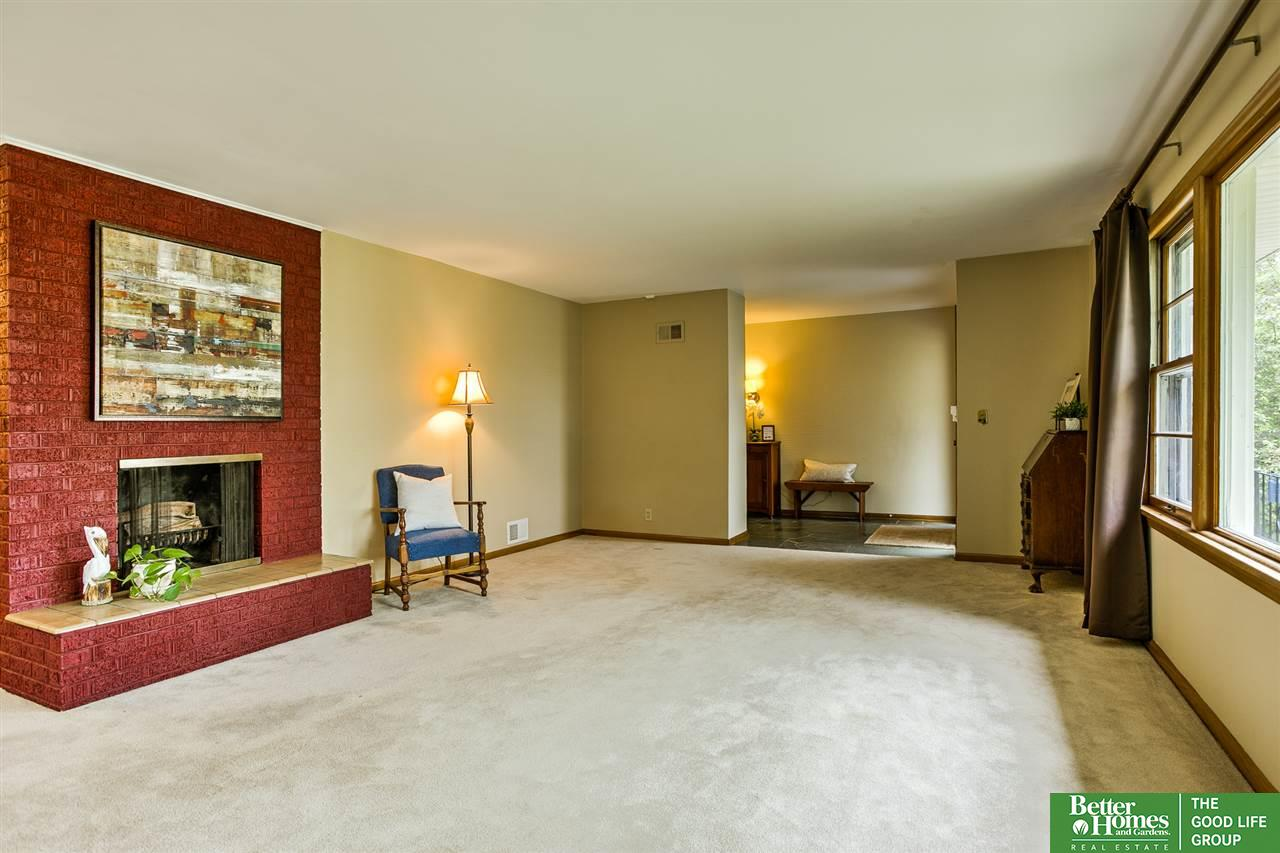 Absolute Power Living Room Before
